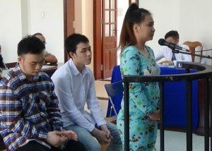 Ba bị cáo Lương Thúy Kiều Quyên, Nguyễn Đình Thanh Tâm và Phạm Hoàng Long tại phiên tòa sơ thẩm trước đó