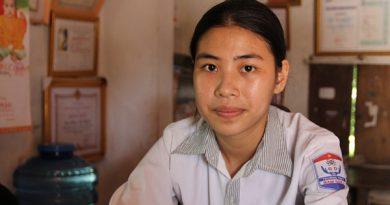 Nghệ An : Mắc cái nghèo, nữ sinh đỗ Học viện Tòa án có nguy cơ không được đi học