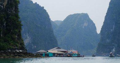 Vịnh Hạ Long – Có một làng chài đẹp nhất thế giới