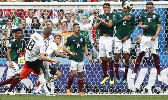 Đức thua Mexico trong ngày ra quân