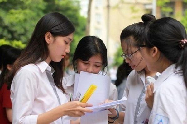 Tỷ lệ học sinh tốt nghiệp THPT năm 2018 của Hà Nội đạt 99,38%