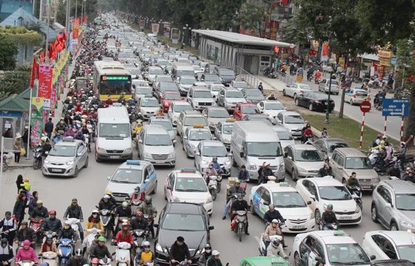Hà Nội đề xuất thu phí xe máy, ô tô ở khu vực ùn tắc