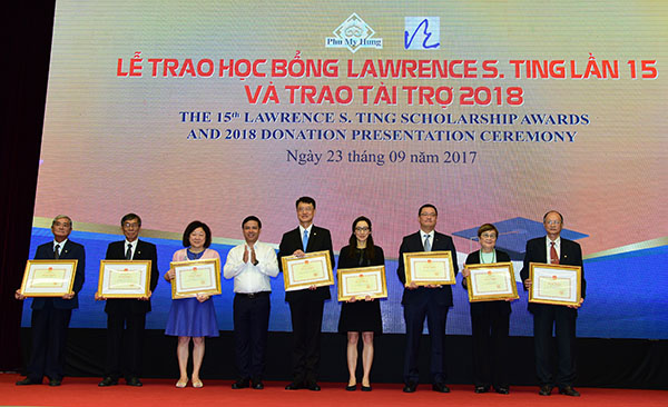 Quỹ Lawrence S. Ting trao 8,39 tỷ đồng học bổng giáo dục