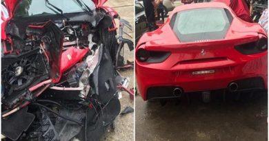 Siêu xe Ferrari 488 GTB của ca sĩ Tuấn Hưng gặp nạn trên cao tốc