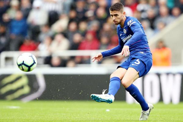 Chelsea tịt ngòi ở Stamford Bridge
