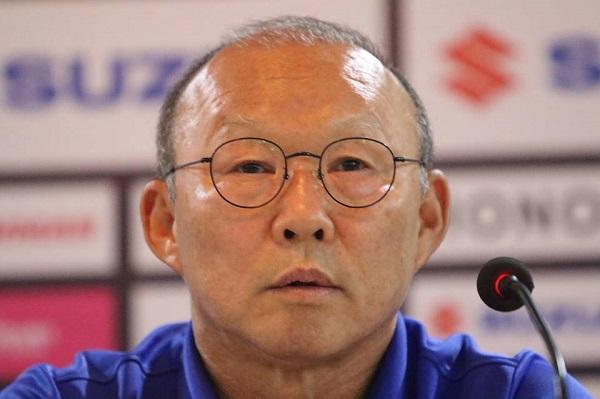 Thầy Park nói gì trước trận đấu làm khách trên đất Myanmar
