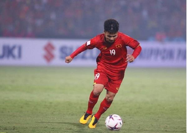 TIN BÓNG ĐÁ VIỆT NAM 27/11: Quang Hải được vinh danh sau màn trình diễn xuất sắc trước Campuchia