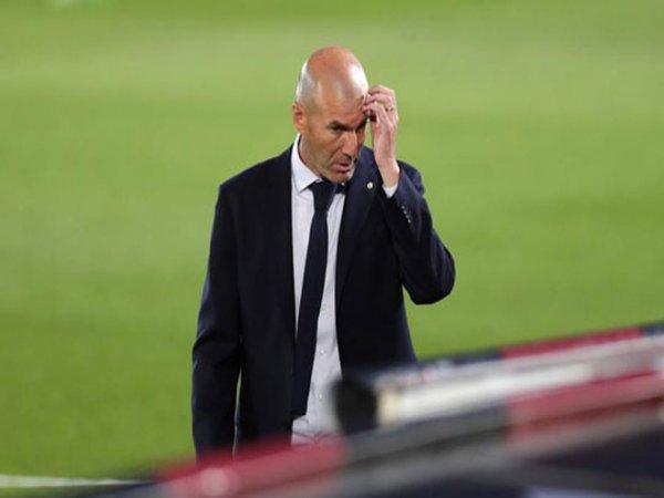 Zidane nổi điên khi bị nói thắng nhờ trọng tài