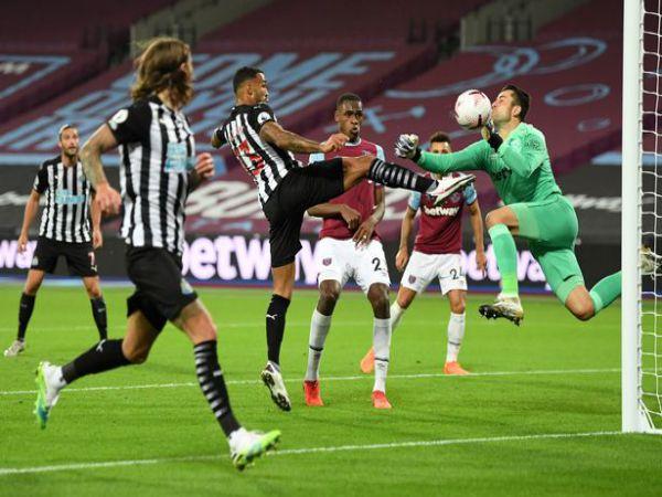 Soi kèo bóng đá Morecambe vs Newcastle, 01h45 ngày 24/9 - Carling Cup