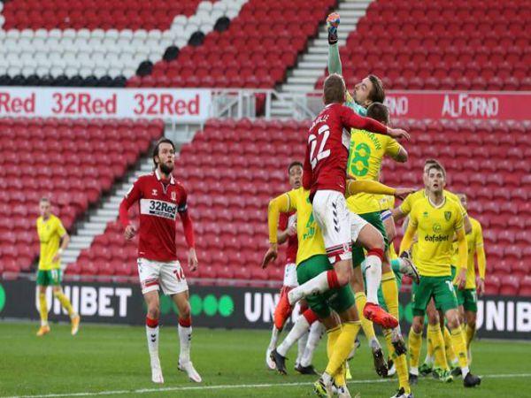 Soi kèo Stoke vs Norwich, 02h00 ngày 25/11 - Hạng Nhất Anh