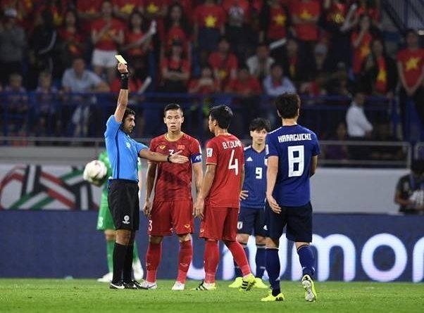 Các ký hiệu trọng tài bóng đá thường gặp đầy đủ và chi tiết nhất