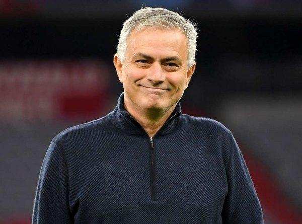 Tin thể thao chiều 10/12: Mourinhođánh giá cao Man Utd