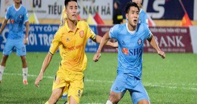 Bóng đá VN 8/1: Hà Đức Chinh tỏ ra tự tin trước mùa giải 2021